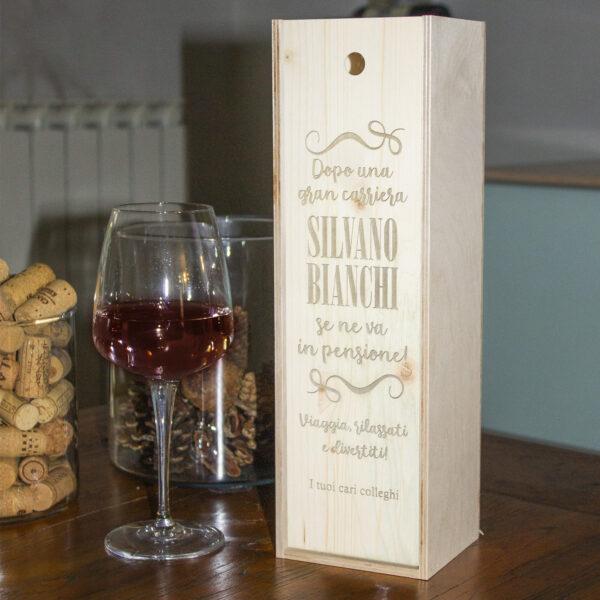 cassettina porta vino personalizzabile per il pensionamento