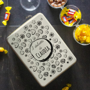 scatola latta dolcetti