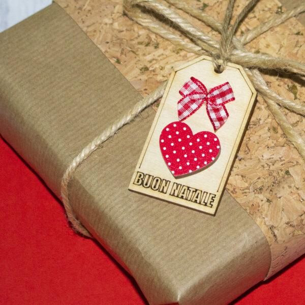 tag in ,legno per chiudi pacco, cuore
