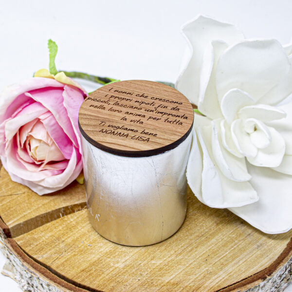 idea regalo per la nonna, candela personalizzata