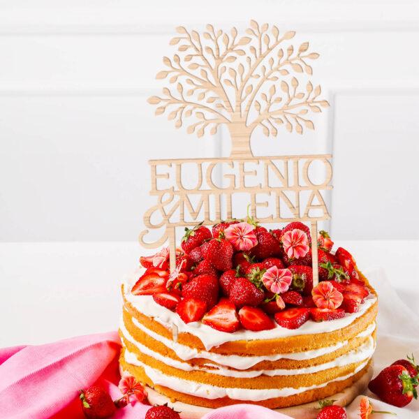 cake topper con nomi, sopra torta nome personalizzato coppie